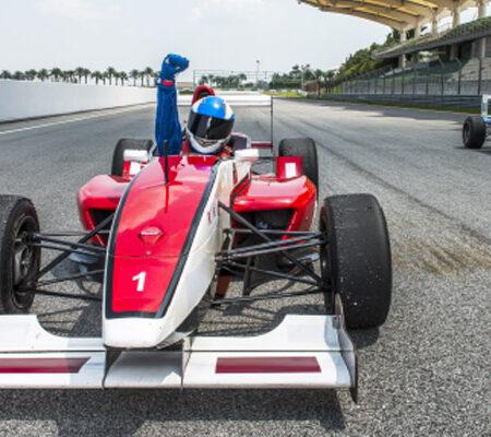 Miltä tuntuu ajaa F1-autoa?